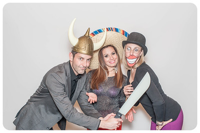 WDTN-CW-Holiday-photobooth-41