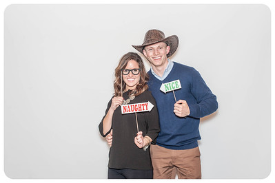 WDTN-CW-Holiday-photobooth-11