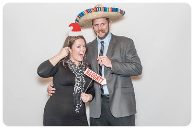 WDTN-CW-Holiday-photobooth-31