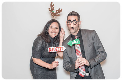 WDTN-CW-Holiday-photobooth-13