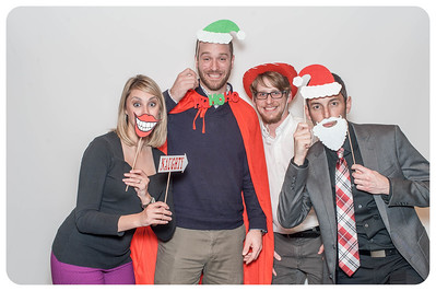 WDTN-CW-Holiday-photobooth-6