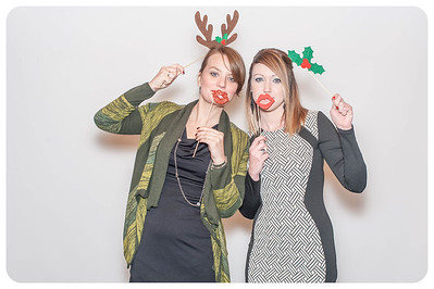 WDTN-CW-Holiday-photobooth-7