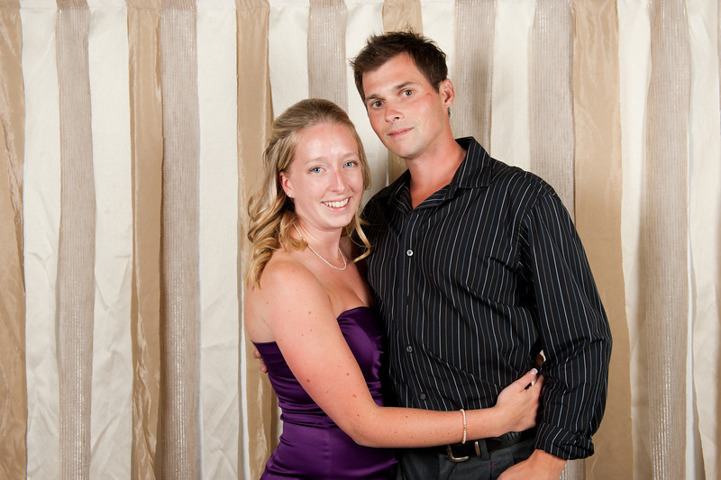 courtneyclarke_adele&philip_photobooth_100