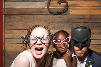 AmyAdamWeddingPhotobooth-0016