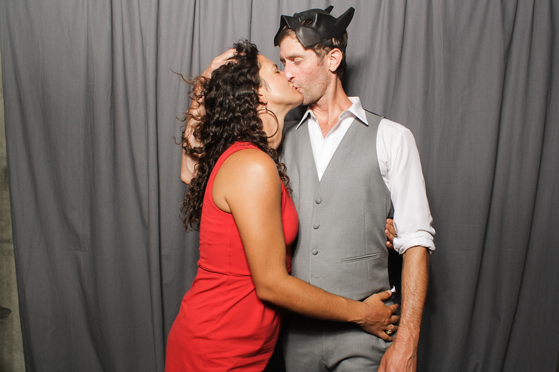 AnnaJasonWeddingPhotobooth-0060