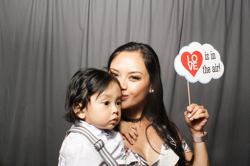 AnnaJasonWeddingPhotobooth-0127