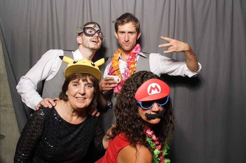 AnnaJasonWeddingPhotobooth-0090