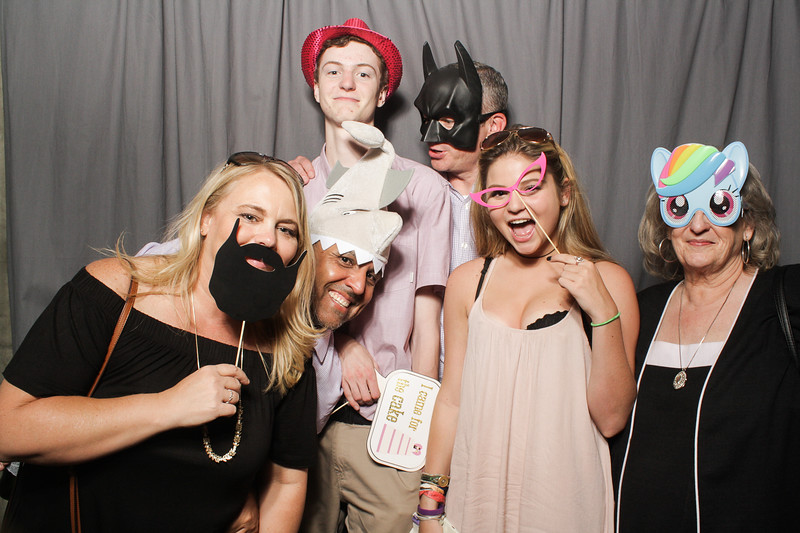 AnnaJasonWeddingPhotobooth-0054