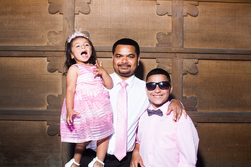 CaitlinChrisWeddingPhotobooth-0023