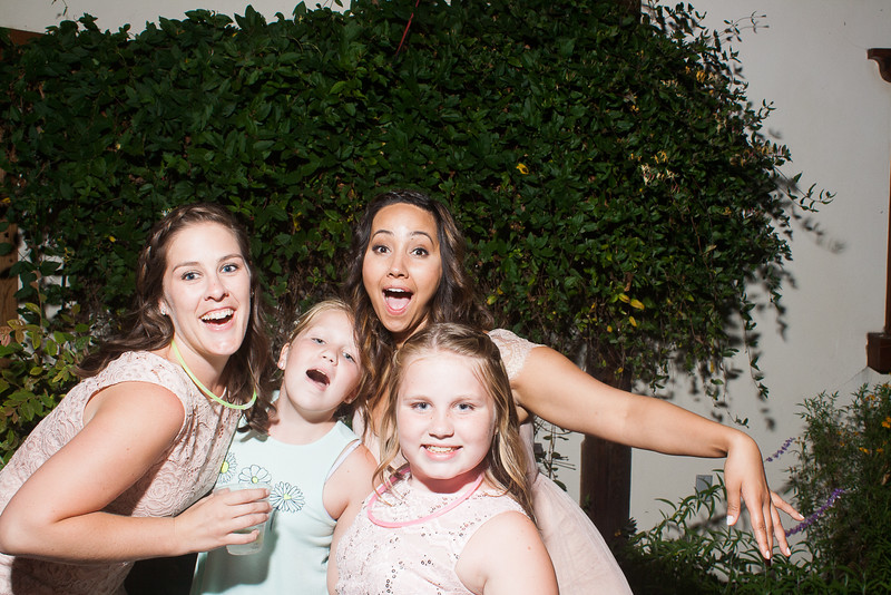 CaitlinChrisWeddingPhotobooth-0405