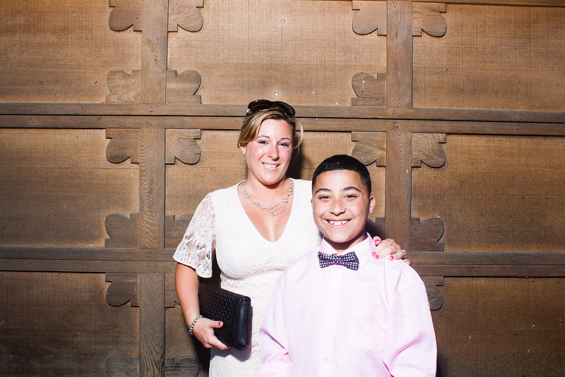 CaitlinChrisWeddingPhotobooth-0027
