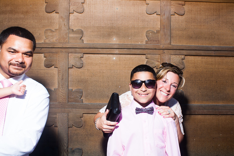 CaitlinChrisWeddingPhotobooth-0033