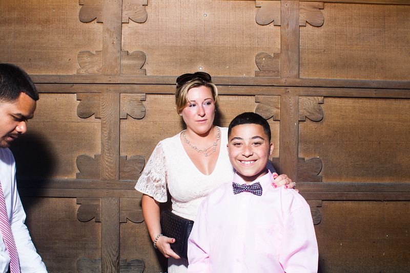 CaitlinChrisWeddingPhotobooth-0028