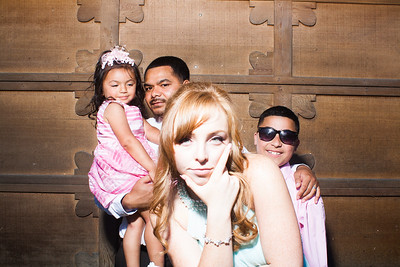 CaitlinChrisWeddingPhotobooth-0018