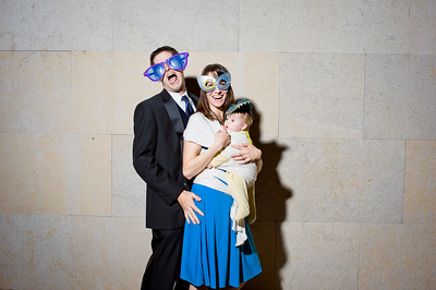 KateZacWeddingPhotobooth-0015