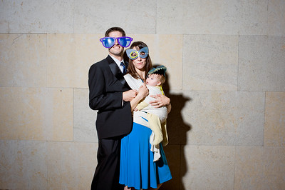 KateZacWeddingPhotobooth-0013