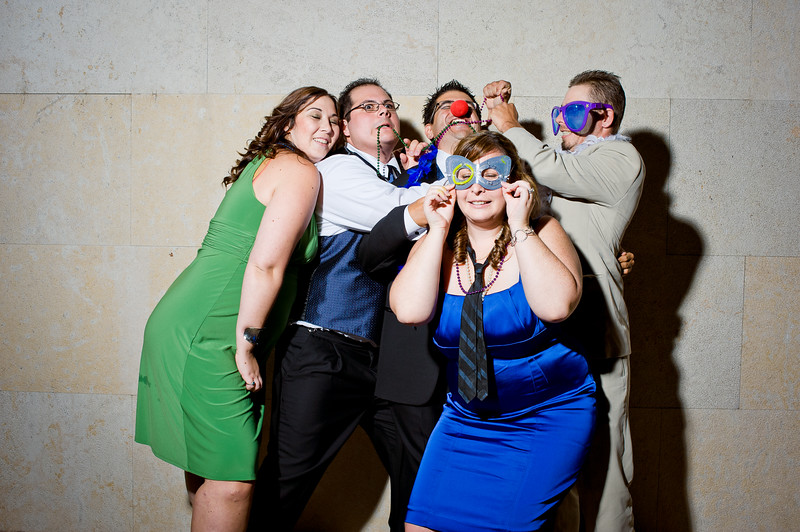 KateZacWeddingPhotobooth-0008