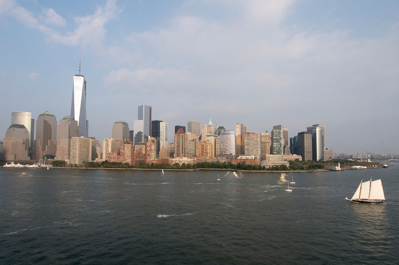 Lower Manhattan, showing One World Trade Center (taken by Robert Martin)