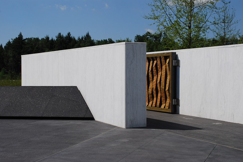 July 2011: Ceremonial Gateway to the Crash Site.  (Image Credit:  Paul Murdoch Architects.)
