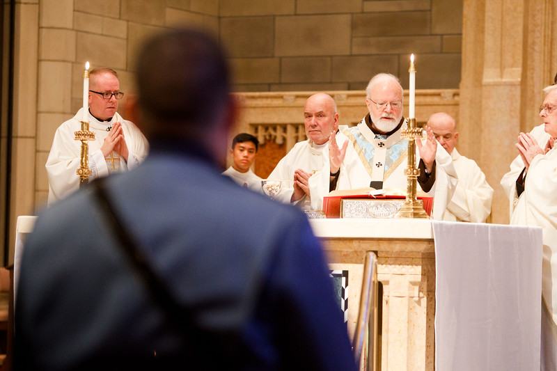 Mass for Public Safety Personnel and their families, celebrated at St. Theresa of Avila Church in West Roxbury, Oct. 1, 2017.<br /> Pilot photo/ Gregory L. Tracy