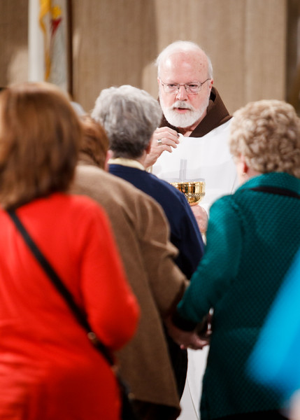 Boston Cardinal Sean O'Malley distributes communion at the Vigil Mass for Life, held Jan. 26 at the Basilica of the National Shrine of the Immaculate Conception in Washington, D.C. <br /> Pilot photo/ Gregory L. Tracy