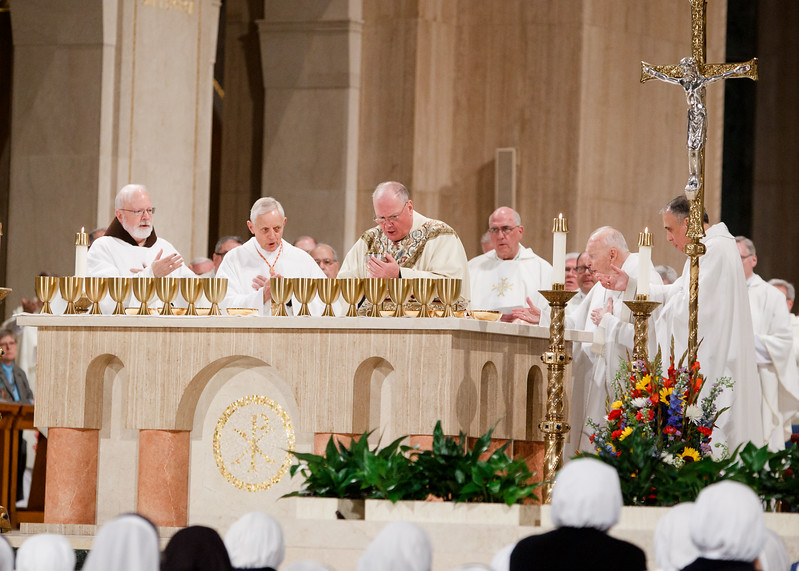 New York Cardinal Timothy Dolan celebrates the Eucharist at Vigil Mass for Life, held Jan. 26 at the Basilica of the National Shrine of the Immaculate Conception in Washington, D.C. <br /> Pilot photo/ Gregory L. Tracy