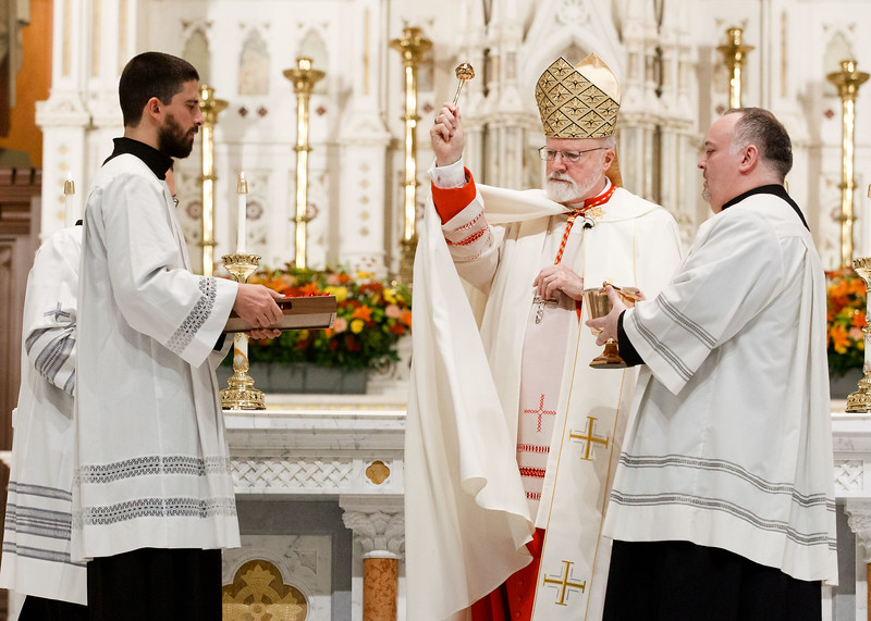 Cardinal Seán P. O'Malley presents the Archdiocese of Boston's annual Cheverus Award Medals for service to the Church Nov. 24, 2019 at the Cathedral of the Holy Cross. <br /> Pilot photo/ Gregory L. Tracy