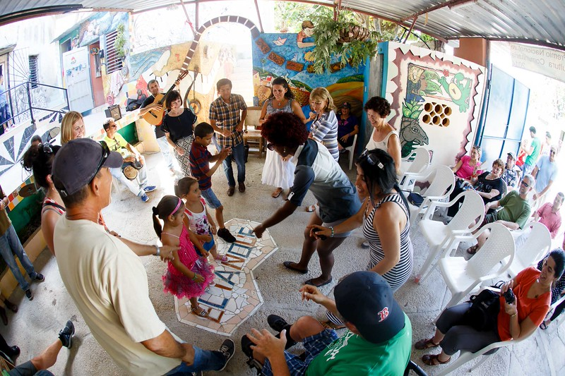 "Sept. 19, 2015 –  A visit to ""Muraleando"", a project that has revitalized a Havana neighborhood through community art and art education.<br /> Pilot photo/ Gregory L. Tracy"