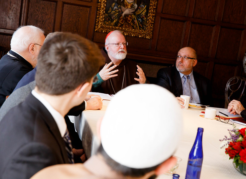 Cardinal O'Malley hosted a gathering of Boston-area Muslim community leaders with representatives of the local Catholic and Greek Orthodox Churches and government officials, including Gov. Charlie Baker, Boston Mayor Martin Walsh and Boston Police Commissioner William Evans, at the rectory of the Cathedral of the Holy Cross Feb. 2, 2017.<br /> Pilot photo/ Gregory L. Tracy