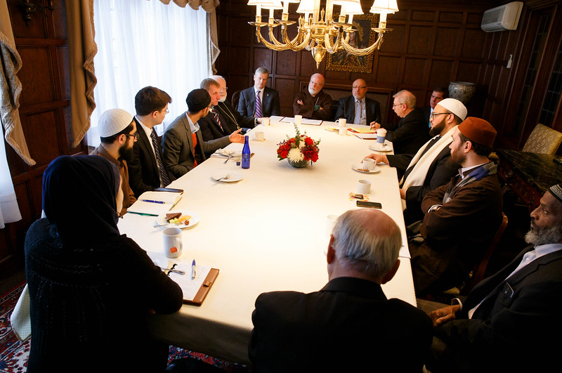 Cardinal O'Malley hosts a gathering of Boston-area Muslim community leaders with representatives of the local Catholic and Greek Orthodox Churches and government officials, including Gov. Charlie Baker, Boston Mayor Martin Walsh and Boston Police Commissioner William Evans, at the rectory of the Cathedral of the Holy Cross Feb. 2, 2017.<br /> Pilot photo/ Gregory L. Tracy