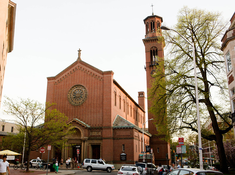 An estimated 2,000 people attend a Holy Hour at St. Paul Church in Harvard Square May 12. The Holy Hour was held at the same time as a demonstration of a satanic 'black mass' was scheduled to be held in a pub on the Harvard campus. The student group sponsoring the 'black mass' cancelled the event shortly before it was to start.<br /> Pilot photo/ Gregory L. Tracy