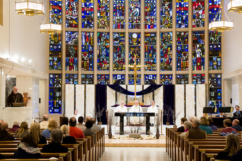 Mass at St. Anthony Shrine in Boston held before the March for Our Lives rally, March 24, 2018.<br /> Pilot photo/ Mark Labbe