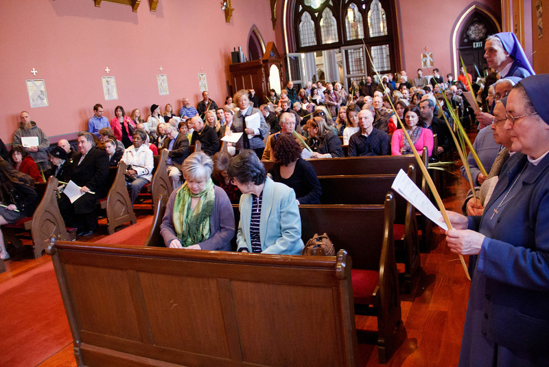 Cardinal Sean P. O'Malley celebrates Palm Sunday Mass March 24, 2013 at the Cathedral of the Holy Cross. <br /> Pilot photo by Christopher S. Pineo