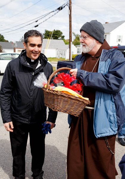 Cardinal O'Malley participates in Pastoral Center Service week at Immaculate Conception Church in Stoughton May 16, 2016.  Pilot photo/ Gregory L. Tracy