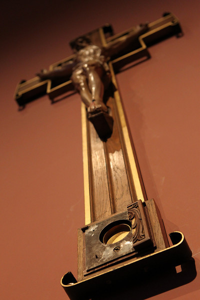 The crucifix that once contained the relic of the true cross hangs in the Blessed Sacrament Chapel of the Cathedral of the Holy Cross July 15, 2010.<br /> Pilot photo/ Gregory L. Tracy