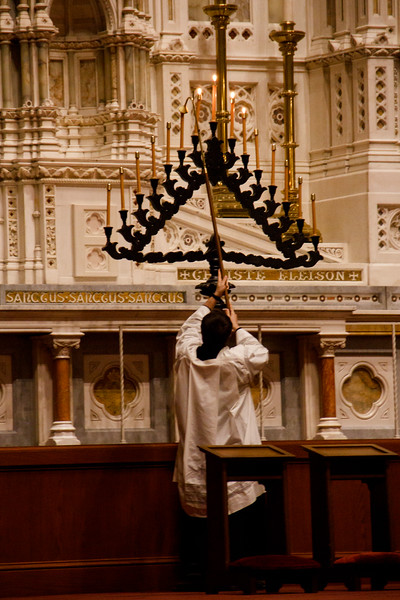 Cardinal Sean O'Malley celebrates the Holy Week liturgy of Tenebrae at the Cathedral of the Holy Cross April 12, 2017.<br /> Pilot photo/ Mark Labbe