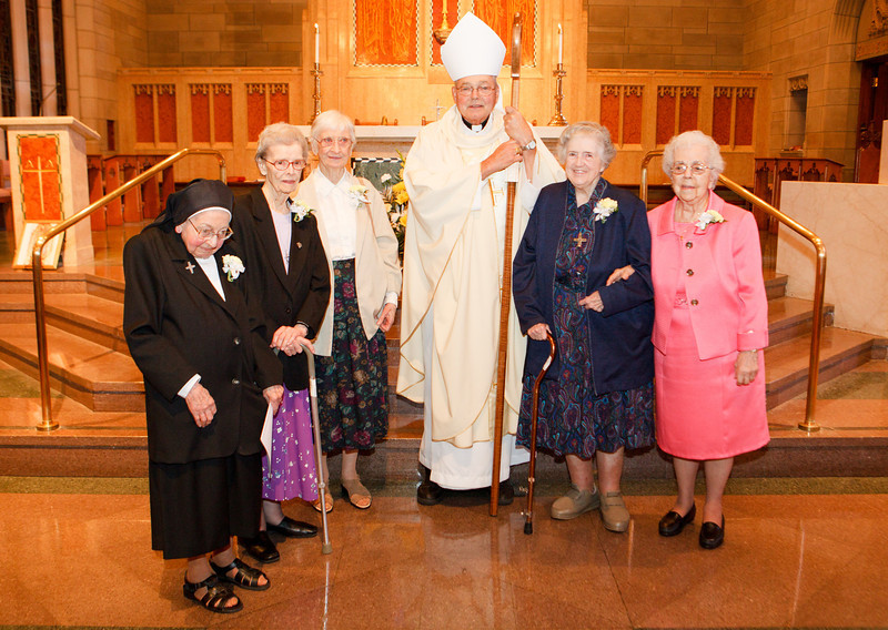 75th Jubiliarian religious sisters. The women religious jubilarians were honored at a mass at Saint Teresa of Avila Parish in West Roxbury Sept.  29, 2013.  During the Mass, Bishop John Dooher led the jubilarians in a renewal of their religious vows.<br /> Pilot photo/ Gregory L. Tracy