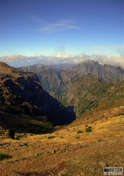 "<a href=""http://www.photographycorner.com/forum/showthread.php?t=78700"">View from Pico do Areeiro</a> by <a href=""http://www.photographycorner.com/forum/member.php?u=13892"">retry</a>"