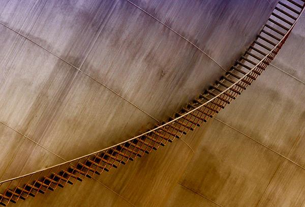 Curve by MAAQ