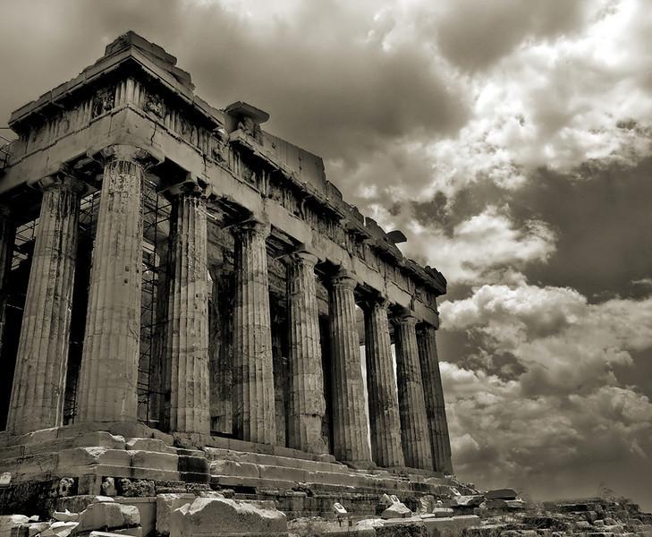 Parthenon (B&W) by Wellbeyond