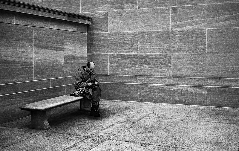 """<a href=""""http://www.photographycorner.com/forum/showthread.php?t=83224"""">Man In A Corner</a> by <a href=""""http://www.photographycorner.com/forum/member.php?u=3063"""">Tuna</a>"""