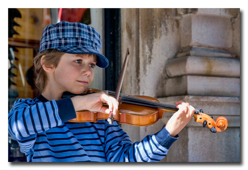 "<a href=""http://www.photographycorner.com/preimere-membership"">Young Busker (Premiere Project #62 Winner)</a> by <a href=""http://www.photographycorner.com/forum/member.php?u=10628"">Nikon_Mario</a>"
