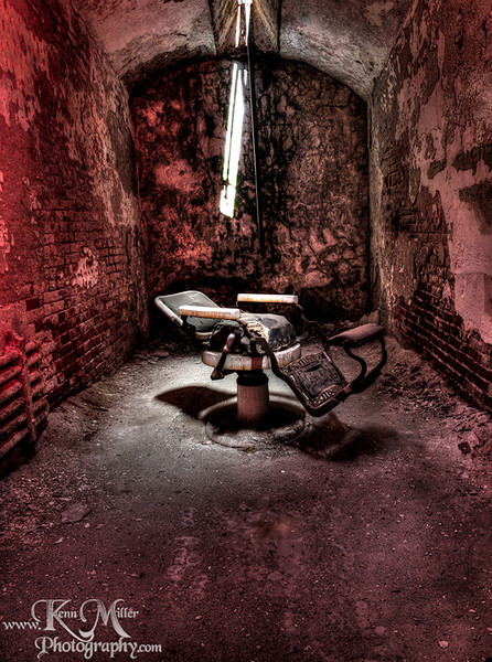 "<a href=""http://www.photographycorner.com/forum/showthread.php?t=92147"">Dentist's Chair</a> by <a href=""http://www.photographycorner.com/forum/member.php?u=7118"">Infiniticubed</a>"