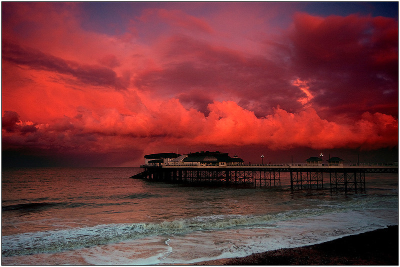 """<a href=""""http://www.photographycorner.com/forum/showthread.php?t=90174"""">Cromer Pier at Sunset</a> by <a href=""""http://www.photographycorner.com/forum/member.php?u=6164"""">Oneof42</a>"""