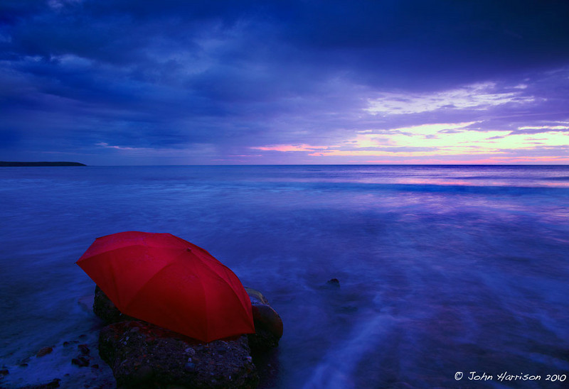 """<a href=""""http://www.photographycorner.com/forum/showthread.php?t=94182"""">Abandoned Brolly</a> by <a href=""""http://www.photographycorner.com/forum/member.php?u=6739"""">realimage</a>"""