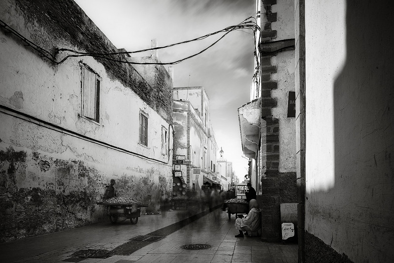 "<a href=""http://www.photographycorner.com/forum/showthread.php?t=93978"">A Street in Essaouira</a> by <a href=""http://www.photographycorner.com/forum/member.php?u=5046"">eRICK</a>"