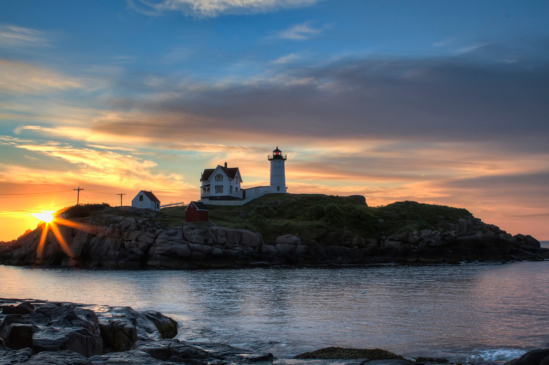 "<a href=""http://www.photographycorner.com/forum/showthread.php?t=100107"">Sunrise, Nubble Light Part 2</a> by <a href=""http://www.photographycorner.com/forum/member.php?u=20131"">Sasquatch</a>"