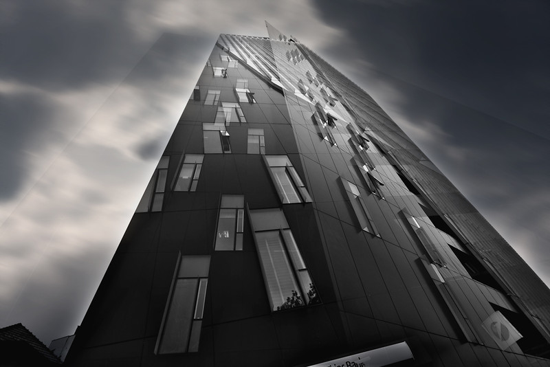 "<a href=""http://www.photographycorner.com/galleries/showphoto.php/photo/47702"">Bank in the Sky with Diamonds</a> by <a href=""http://www.photographycorner.com/forum/member.php?u=14130"">lucian olteanu</a>"