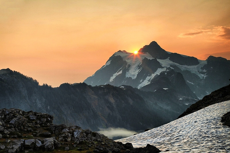 "<a href=""http://www.photographycorner.com/forum/showthread.php?t=106670"">Shuksan Sunrise</a> by <a href=""http://www.photographycorner.com/forum/member.php?u=337"">squirl033</a>"