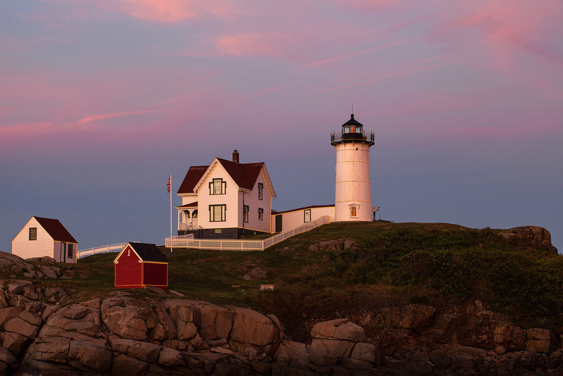 "<a href=""http://www.photographycorner.com/forum/showthread.php?t=106137"">Sunset, Nubble Light</a> by <a href=""http://www.photographycorner.com/forum/member.php?u=20131"">Sasquatch</a>"